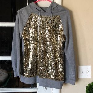 Sweaters - Sparkle long sleeve sweater ✨